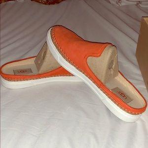 Ugg Caleel shoes